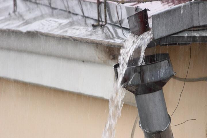 Problems that Occur from Clogged Gutters from not Cleaning Regularly